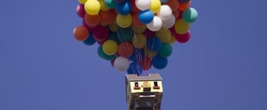 Pixar-UP-House-Flying